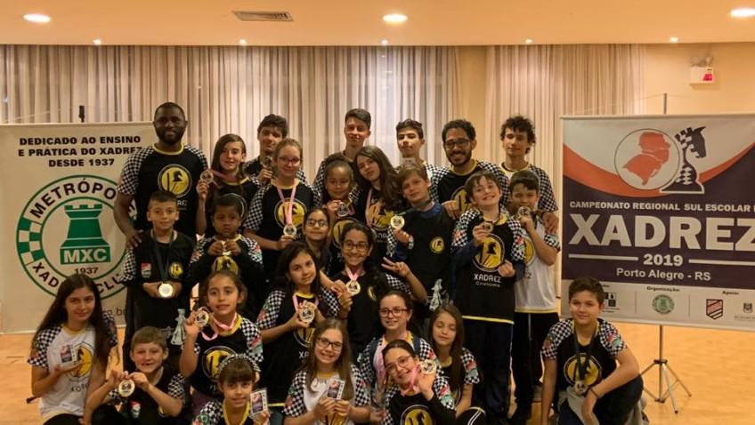 Xadrez de Criciúma conquista quatro medalhas de ouro em Porto Alegre