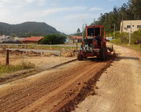 Estradas de três regiões recebem melhorias