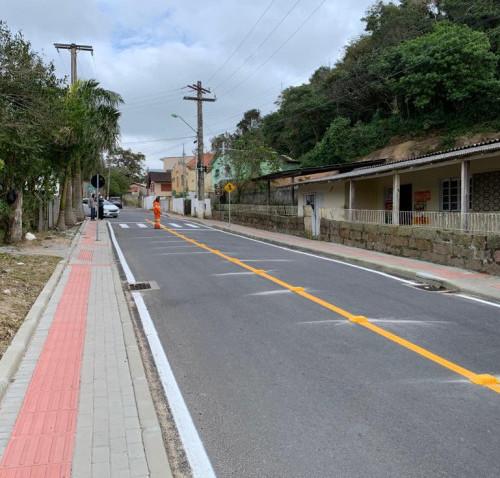 Rua Júlia Nascimento recebe sinalização
