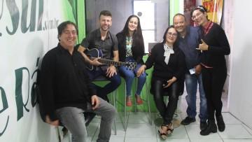"""TVRsul realiza entrevista com integrantes da Rádio Frequência e o musico """"Banda Anjo"""" no programa Entrevista Musical."""