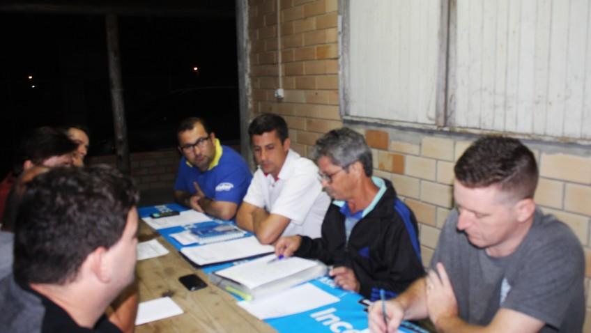 Associação de Moradores discute a implantação de uma rede de vizinhos e outras melhorias para o Bairro Naspolini.