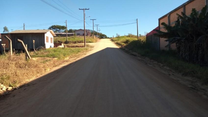MORADORES DO LOTEAMENTO BERTAN ORGANIZAM PROTESTO SOBRE FALTA DE PAVIMENTAÇÃO DA RUA PRINCIPAL