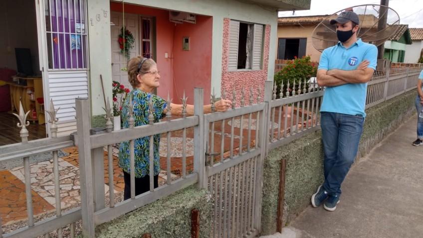 Eduardo Guollo visita Cohab, Bairro Maccari e Bairro Naspolini