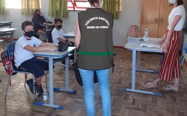 Vigilância Sanitária fiscaliza cumprimento de medidas nas escolas de Moro da Fumaça